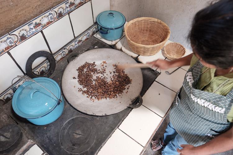 Roasting coffee the traditional way
