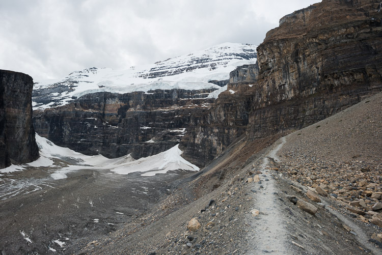 Plain of Six Glaciers hiking approach
