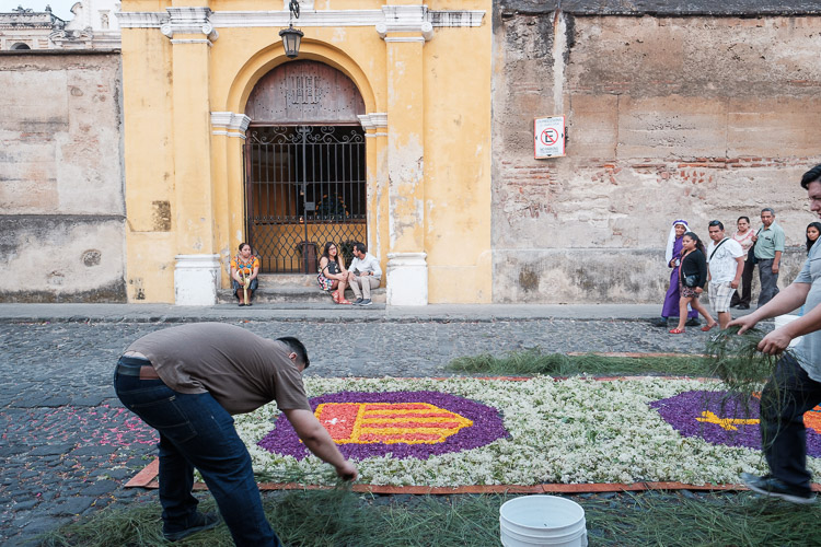 Creating an alfombra on Antigua