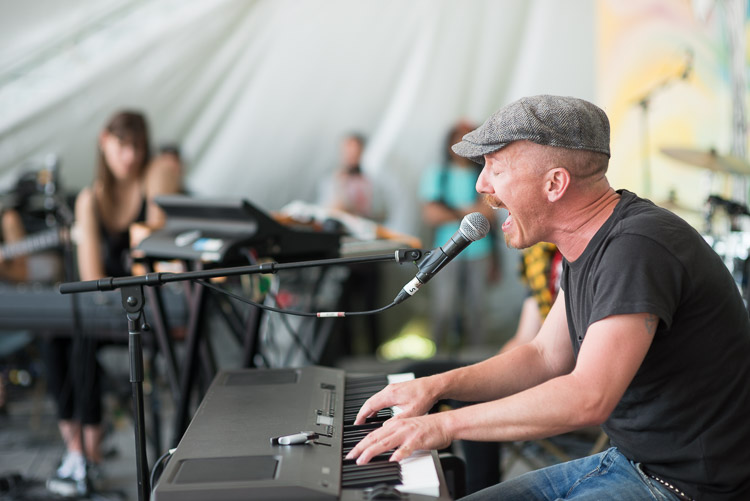 Foy Vance singing and playing piano
