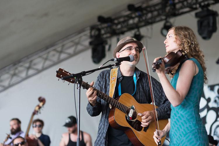 Dan Frechette and Laurel Thomsen at Winnipeg Folk Festival 2016
